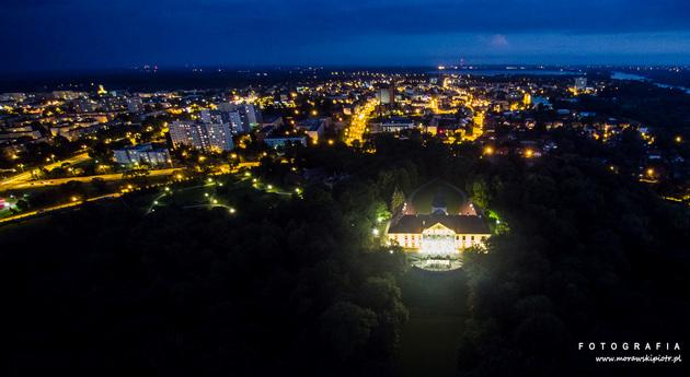 dron-noc-tarnobrzeg-zamek